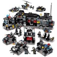 pequeños camiones de juguete al por mayor-695 unids City Police Series 3 Modelos grandes y 24 pequeños 8 Figuras SWAT Police Station Station Bloques de construcción de juguete para niños Boy