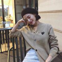 мужчины круглые v шеи оптовых-Дизайнер CDG Любовь V-образный вырез свитер воротник куртки с длинными рукавами кашемира мужчин двойного сердцем вокруг шеи шерсти джемпера свитер женщины
