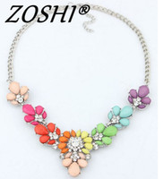 edelsteine perlen halskette großhandel-Mode Kristallhalsketten- Bunte Kristalledelstein-Blumen-Korn-Silber-Anhänger Opulente Halskette-Kragen-Halskette für Frauen