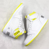 tábuas amarelas venda por atacado-Novo 1 s tênis de basquete voo de primeira classe Lemon Yellow Boarding Pass Original Designer de moda Mens tênis de basquete