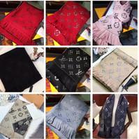 bufanda de lana negra al por mayor-Marca invierno LOGOMANIA BRILLO bufanda de lana de alta calidad de seda bufanda de las mujeres y los hombres bilateral de seda rojo Negro de lana largas bufandas flor chales bufandas