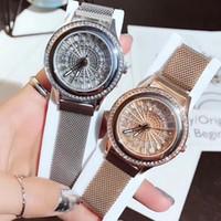 bracelet magnétique diamant achat en gros de-2019 Nouveau Design Chop Luxe Femmes Montres Haute Qualité Quartz Montre Magnétique Boucle Full Diamond Watch