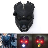 soportes de faros universales de la motocicleta al por mayor-Lámpara LED de cabeza de calavera con luz de cabeza de motocicleta con soporte de montaje para Harley Honda Yamaha Kawasaki Suzuki Custom