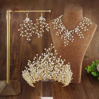 gelin kronları taç seti toptan satış-Gelin Başlıklar Için gelin Tiara Düğün Saç Taç Bir Set Kızlar Kadınlar Için Düğün Saç Aksesuarları Takı Gümüş Vestidos