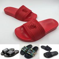 kırmızı terlik toptan satış-2019 Yeni Moda Bayan Sandalet Medusa Kabartma Terlik Lüks Siyah Kırmızı dipleri Kauçuk Tasarımcı çevirme Slaytlar Boyutu 36-45