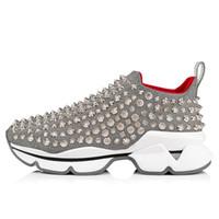 calcetines rojos de corte bajo al por mayor-Auténticos Spike Sock Shoes Low Cut Spikes Flats Shoes Parte inferior roja para hombres y mujeres Zapatillas de cuero Diseñador de fiesta Zapatos de goma con caja