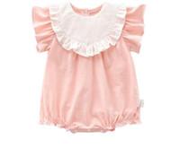 bebek çocuk giysileri romper beyaz toptan satış-Bebek çocuk Kız giyim romper Beyaz Ile 100% pamuk O-Boyun Kısa Kollu Ruffles tasarım Yaz Lolita romper