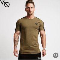 erkekler için yuvarlak boyun gömlek toptan satış-VQ Erkekler T Gömlek kısa Kollu Patchwork yuvarlak Boyun T-shirt Pamuk Tees Tops Erkek Spor Marka Tshirt Erkek Spor Salonları Giyim Vücut Geliştirme Tops