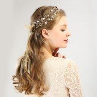alin taç takı toptan satış-Çiçek Gelin Saç Aksesuarları Düğün Tiara İnci Kristal Başlığı Kadınlar Kız Rhinestone Pageant Taçlar Alın Charm Takı