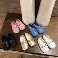 botas infantiles moradas al por mayor-Niños Diseñador de Zapatos de Lujo Hebilla de Metal Plana Primeros Caminantes Fiesta de Moda para Niñas Desgaste Niños Color Sólido Zapatos Tamaño Eur 20-25