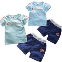çocuklar için çizgili tişörtler toptan satış-INS Erkek Şampiyonlar Mektup Eşofman Çocuklar Kısa Kollu T gömlek + Şort Yaz Spor Rahat Spor Pijama Set Çizgili kıyafetler B4251