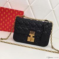 rosa dame wein großhandel-Neue Mode Luxus Dame eine Schulter schräg Tasche Leder Designer Lady Bao Handtasche blau schwarz rosa Weinrot Anzahl: 5818.