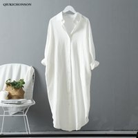 senhoras camisa de linho branco venda por atacado-Coreano Casual Blusa Branca Mulheres Lado Projeto Bolso Primavera Outono Senhoras Tops de Linho de Algodão de Manga Longa Plus Size Camisas Longas MX190710