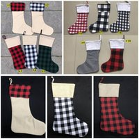meias para o natal venda por atacado-Meias de Natal Red Plaid Christmas Stocking Cotton búfalo flanela Black Christmas Decor Poly Sublimation espaços em branco de Santa Meias KHA415