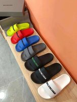 Wholesale NEW Luxury Designer Mens Womens Summer Pool Slide Sandal in rubber Sandals Beach SlideCasual Slippers Ladies Comfort Shoes Print Leather