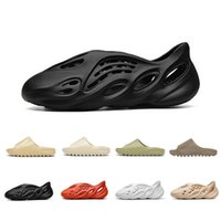 ingrosso scarpe intasamento-Yeezy Slipper yeezy slides slide Stock X Cheap Foam runner kanye west clog sandal triple black white fashion slipper women mens tainers designer beach sandals slip-on shoes