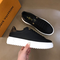Wholesale designer shoes men's resale online - Top brand men s casual breathable fabric mesh flat shoes designer women s color stud flat shoes thick soled sports shoesRD131