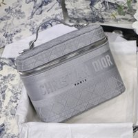 Wholesale tote modern resale online - The new color makeup bag A high end quality retro printing pattern weave texture modern daily concave shape can be used as a wash bag