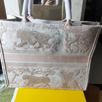 Wholesale beach totes sale for sale - Group buy Euro style classichot sale women designer handbags Bucket bag luxury crossbody fashion shoulder bags Embroidery style of knitted beach bag