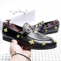 Wholesale causal wedding dresses resale online - Luxury Men Dress Shoes High Top British Style Bee Rrivet Causal Luxury Shoes Mens Loafers Moccasins Italian Men Wedding Shoes z02