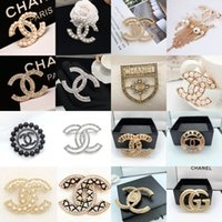 Wholesale pearls crystal brooch pins for sale - Group buy Zero Profit Crystal Rhinestone Letter Brooch Pin Paris Brooch Corsage Famous Women Brooches Fashion Jewelry