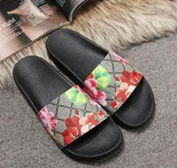 Wholesale mens summer loafers resale online - Mens Womens Top Quality Paris Sliders Summer Sandals Beach Slippers Ladies Flip Flops Loafers Black White Red Green Slides Shoes