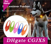 Wholesale night lights for dog collars resale online - High Quality New Pet Silicone Led Lamp Dog Glowing Pendant Night Safety Silicone Light Pendants For Dog Harness Collar Cheap Q0544