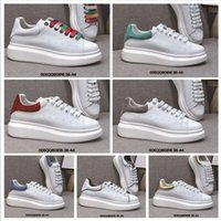 Wholesale quality shoes online resale online - 2020 New Couple White Shoes Online High Quality Women Men Casual Increase Sneaker Lace Up Breathable Sneakers