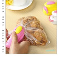 vente alimentaire emballage achat en gros de-Grosses soldes ! 7 Couleur Mini d'étanchéité des ménages Portable Thermoscelleuse Capper Food Saver pour les sacs en plastique Paquet Mini Gadgets K68