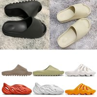 chinelos para homens venda por atacado-Adidas yeezy slides Stock X 2020 FIAP runner kanye west clog sandals Triple black slides fashion slipper women men tainers designer Sandals beach flip flops
