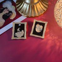 Wholesale baroque paintings resale online - Qingdao gold matte Baroque Picasso brooch enamel art Oil painting oil painting advanced sense brooch pin j4SON