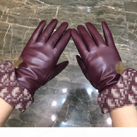 Wholesale ladies leather fashion gloves resale online - Lady Fashion Bright Solid Gloves Red Letter Women Gloves Winter Gold Lock Gloves Sheepskin Outdoor Windproof Glove