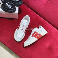 Wholesale women's fashion sneakers for sale - Group buy 2020 top new platform shoes Italian fashion men s and women s open sneakers striped studded leather flat casual shoes
