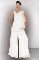 Modest 2020 Mother Of The Bride Groom Pant Suit Ruched Crystal Plus Size White Chiffon Elegant Women Formal Wedding Guest Dresses