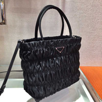 Wholesale strong lights resale online - Nylon pleated shopping bag diagonal design crease bag strong versatility light bill of lading shoulder can be switched at any time