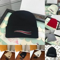 Wholesale skull caps for men resale online - Top Quality For Gift With Box New Mens Women Skull Caps Beanie Bonnet Winter Men Knitted Hat Caps Warm Hats Durag Beanies Gorros