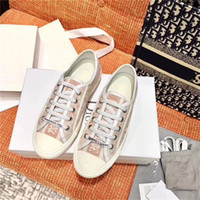 Wholesale sneaker designs for sale - Group buy New Flowers Oblique Tess Leisure Shoes Fashion Design Platform Triple S Sneakers Men Women Vintage Trainer Athletic Boots B23 f2d1
