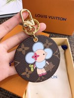 Wholesale round keychains resale online - Round leather keychains unisex lady classic car bag Stainless Steel key chain keyrings women men Pendant accessory with box