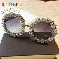 Wholesale diamond sun glasses for sale - Group buy Ralferty Round Rhinestone Sunglasses Luxury Crystal Diamond Sun Glasses Women Pink Circle Eyewear Accessories Shades G08