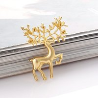 ingrosso sika cervo-Natale cervi Spille d'epoca di colore dell'oro di renna dei cervi di Sika Spilla spille carino splendido animale Pin Winter Party monili di cerimonia nuziale Accessori