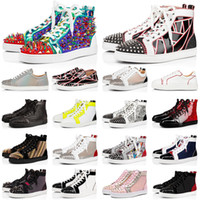 pisos negros beige al por mayor-red bottoms zapatos de diseño hombres mujeres Chaussures Spike tachonado zapatillas Triple Black White Leather Suede flat casual casual 36-47 vintage