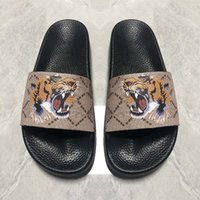 Wholesale eva wood resale online - 2020 new designer flip flops Men Women Sandals Designer Shoes Slide Summer Fashion Wide Flat Slippery Sandals Slipper Flip
