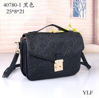 Wholesale 2019 New Fashion Shoulder Bags Chain Women s and Men s Classic Handbags PU High Quality Crossbody Bags Purse Handbag Clamshell fashion bag