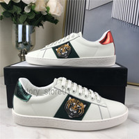 chaussures hommes occasionnels achat en gros de-Hommes Femmes Sneaker Sneaker Chaussures Casual Top Qualité Snake Chaussures Cuir Snewners Ace Bee Broderie Stripes Chaussure Sports Sports Trainers Tiger