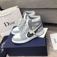Wholesale Men s casual shoes sports shoes high top anime designer ladies blast away men and women couple shoes yards with box
