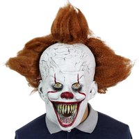 lateks maske saç toptan satış-2020 Film Stephen King'in It Pennywise Cosplay Saç Kostüm Props ile Lateks Cadılar Bayramı Korkunç Maskeler Komik Palyaço Parti Maskesi