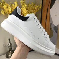 sapatos femininos venda por atacado-2020 Top Casual Shoes Mens Womens Trainers Branca Plataforma sapatos de couro liso Chaussures De Esporte Zapatillas Suede Sneakers