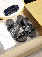 The latest men's design slippers sandals inluxe design slippers summer fashion top quality luxury flat sandals and slippers size 38-45