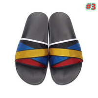 New hot men's and women's sandals and slippers slide in summer wide flat bottom women's sandals and slippers with box type dust bag 36-45