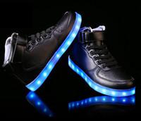 yüksek üst led ayakkabı toptan satış-Erkekler Kadınlar için 8 Renkler Yüksek top LED Ayakkabı Yetişkinler Beyaz Siyah Parlayan Light Up Ayakkabı Düz LED Işıklı Ayakkabı chaussure lumineuse ayakkab ...